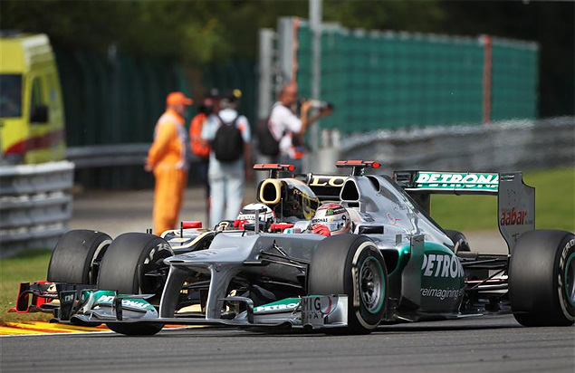Авария на старте Гран-при Бельгии оживила интригу в Формуле-1. Фото 6