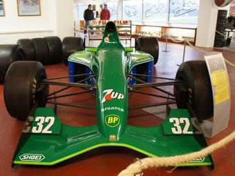 Первый болид Шумахера в Формуле-1 продадут на аукционе