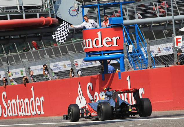Льюис Хэмилтон без усилий выиграл Гран-при Италии. Фото 3