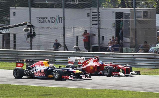 Льюис Хэмилтон без усилий выиграл Гран-при Италии. Фото 6