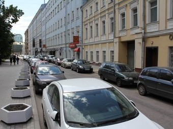 Московские власти выбрали улицы для первых платных парковок