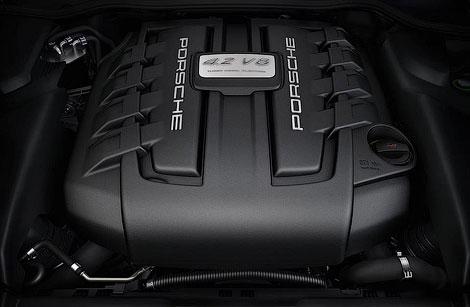 Двигатель развивает 382 лошадиные силы и 850 Нм крутящего момента