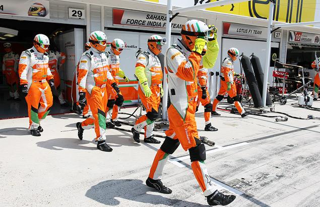 Зачем для пит-стопа Формулы-1 нужны 22 человека?. Фото 2