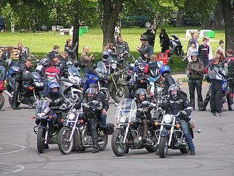 Московских мотоциклистов пустят на спецполосу на Озерной улице