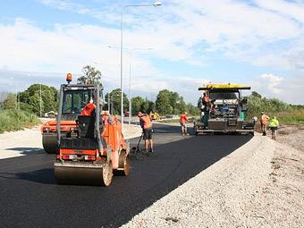 На российские дороги к 2015 году потратят 740 миллиардов рублей