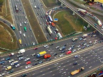 Мэр Москвы решил запретить грузовикам ездить по МКАД