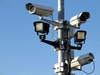 Камеры в Москве научатся штрафовать за проезд на красный свет