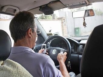 Штраф за использование телефона за рулем увеличат в 10 раз