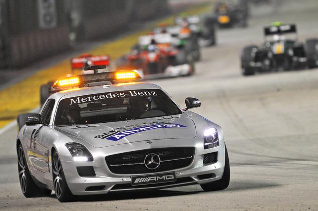Сход Хэмилтона подарил Феттелю победу на Гран-при Сингапура. Фото 2
