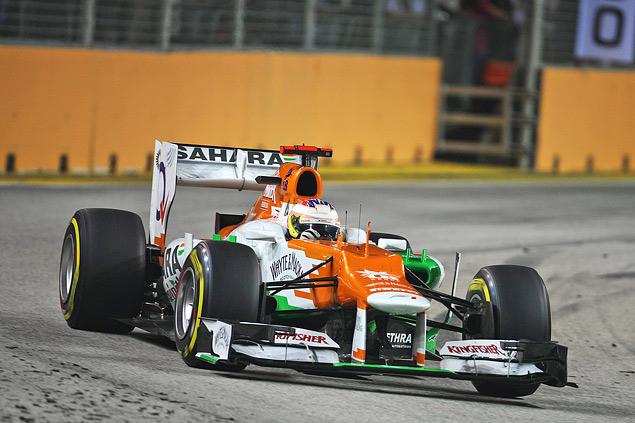 Сход Хэмилтона подарил Феттелю победу на Гран-при Сингапура. Фото 3