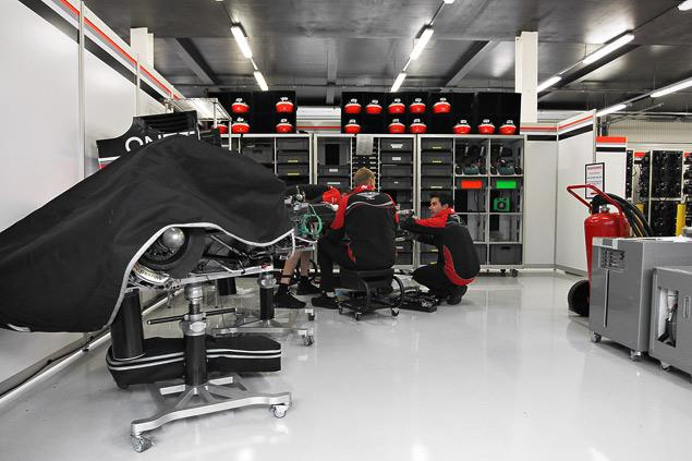 Как устроена работа команд Формулы-1 во время гонок. Фото 5