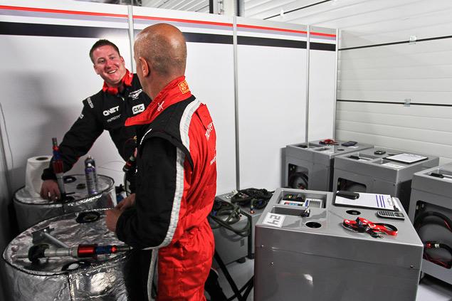 Как устроена работа команд Формулы-1 во время гонок. Фото 7