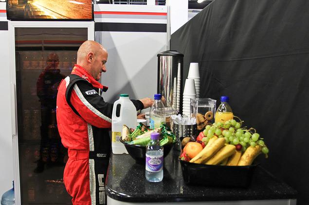 Как устроена работа команд Формулы-1 во время гонок. Фото 8