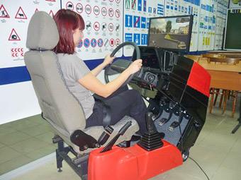 Старшеклассников будут учить вождению