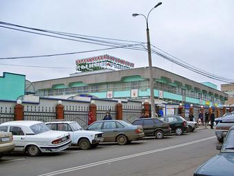 Московские власти опровергли создание парковок на месте рынков