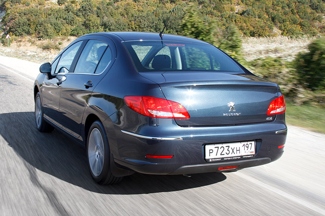 Тест-драйв бюджетного седана Peugeot 408 с дизельным мотором. Фото 5
