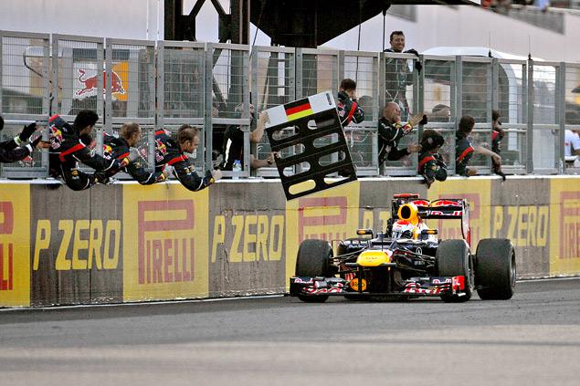 Победа Феттеля вернула интригу в чемпионат Формулы-1. Фото 3