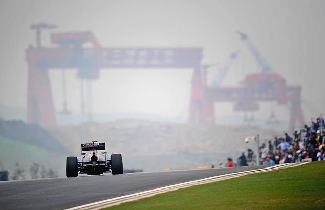 Победа Феттеля вернула интригу в чемпионат Формулы-1. Фото 7