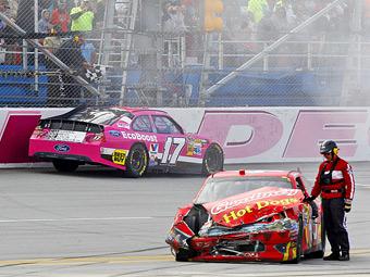 Гонка NASCAR в Талладеге закончилась столкновением 24 машин