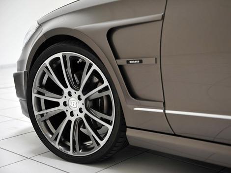 Компания подготовила для модели новый обвес кузова и программу форсировки моторов. Фото 3