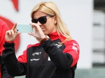 Авария на тестах лишила гонщицу Marussia чувства запаха и вкуса
