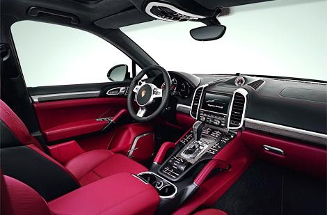 """Флагманский Porsche Cayenne Turbo S получил 4,8-литровую турбо-""""восьмерку"""" мощностью 550 лошадиных сил. Фото 2"""