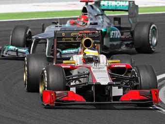 Шумахер получил предупреждение за сдерживание пилотов HRT