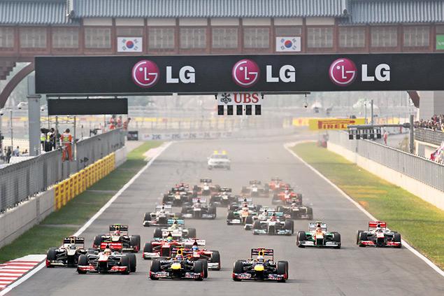 Феттель вышел в лидеры чемпионата Формулы-1. Фото 1