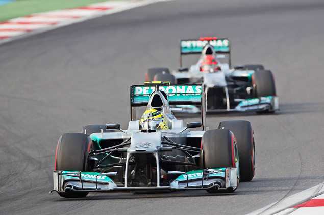 Феттель вышел в лидеры чемпионата Формулы-1. Фото 5