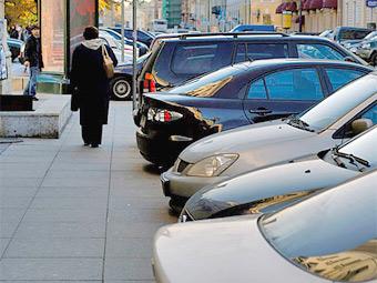 Московские власти запретят парковку на тротуарах в центре города