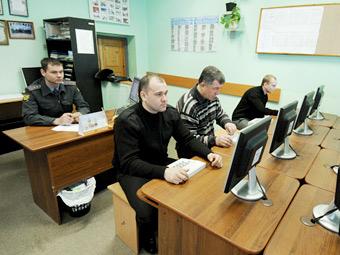 ГИБДД подготовит новые билеты для экзамена на права