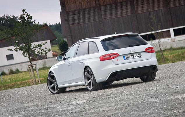 Тест-драйв 450-сильного универсала Audi RS 4 Avant. Фото 1