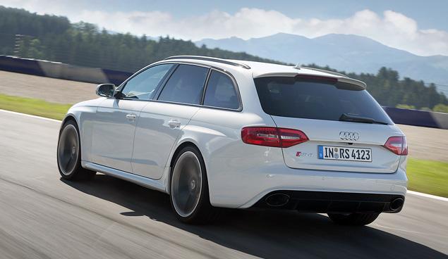 Тест-драйв 450-сильного универсала Audi RS 4 Avant. Фото 10