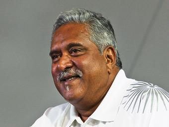 Владелец Force India избежал ареста