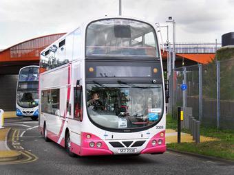 Ирландскому водителю вернули отобранные права из-за неудобных автобусов