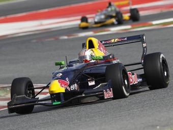 Даниил Квят стал вице-чемпионом европейской Формулы-Renault 2.0