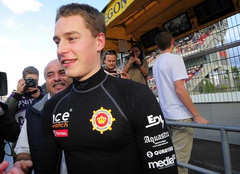 В последней гонке сезона российский пилот уступил титул бельгийцу Штоффелю Вандорну. Фото 1