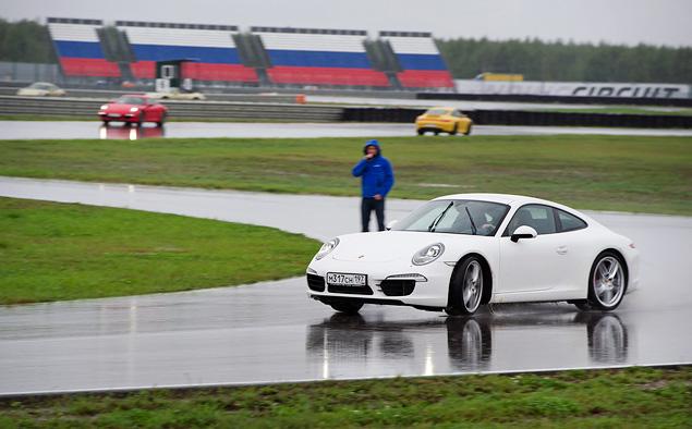 Ездим боком и меняем колеса на третьем этапе Porsche Media Academy. Фото 6