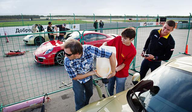 Ездим боком и меняем колеса на третьем этапе Porsche Media Academy. Фото 9