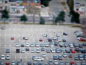 Ученые нашли связь между полом водителя и поиском машины на стоянке