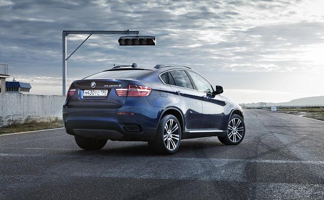 Сравниваем супервнедорожник BMW X6 M с супердизелем M50d. Фото 1