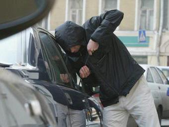Полицейские назвали число ежедневных автоугонов в Москве