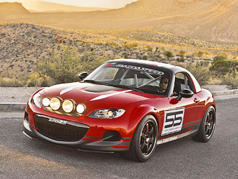 Родстер Mazda MX-5 приспособили для гонок на выносливость