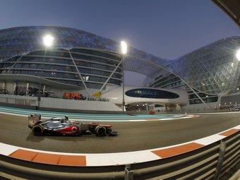 Льюис Хэмилтон выиграл квалификацию Формулы-1 в Абу-Даби