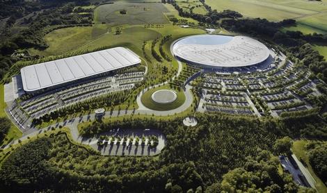 Производственному центру автопроизводителя из Уокинга присудили награду британской строительной отрасли. Фото 1