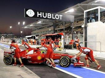 На Гран-при Абу-Даби Ferrari дважды нарушила комендантский час