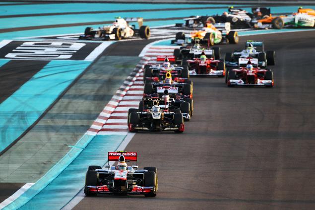 Формула-1 устроила шоу в Абу-Даби. Фото 2
