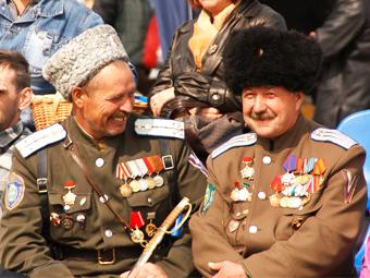 За незаконной парковкой в Москве проследят казаки