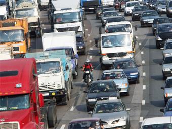 Весной всем грузовикам запретят ездить по МКАДу днем