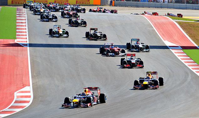 Чемпион Формулы-1 определится в последней гонке сезона. Фото 1